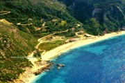 Road to Petani beach
