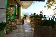 Cafe in Lourdata