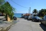 Парковка у пляжа Агиос Томас.