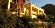 Studijos ir apartamentai šalia Petani paplūdimio, Kefalonija, Graikija