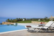 3-bedroom vila with private swimming pool and spectacular sea view