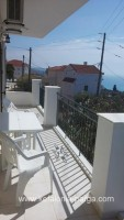 Kefalonia hotels, Lourdata apartments, studios in a private house. Greece vacations.