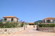 Kefalonia hotels: 2 bedroom villas, ė bedroom villas, č bedroom apartments. Kefalonia villas