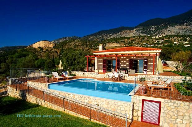 Вилла с 2 спальнями, бассейном и прекрасным видом на Ионическое море