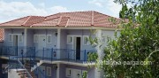 Kefalonia hotels: studios by the beach in Lourdata. Greece vacations.