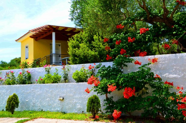 2 bedroom villa with shared swimming pool, Spartia, Kefalonia. Thermanti villas
