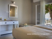 Отели Кефалонии: апартаменты с 1 спальней у пляжа Лоурдас.