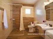 Vila su 2 miegamasiais, baseinu, Trapezaki