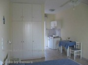 Kefalonia hotels: beach apartments in Lourdata.Lourdas beach.Greece vacations.