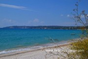 Kefalonia hotels: studios, beach apartments with swimming pool. Lourdas beach.
