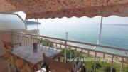 Отели Кефалонии: апартаменты у пляжа Лоурдас. Греция отдых.