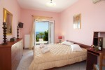 Kefalonia hotels: 2 bedroom bungalow, Lourdata