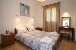 Kefalonia hotels: 1 bedroom beach apartments in Lassi.Greece vacations.