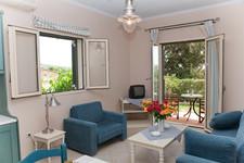 medi-livingroom2-big