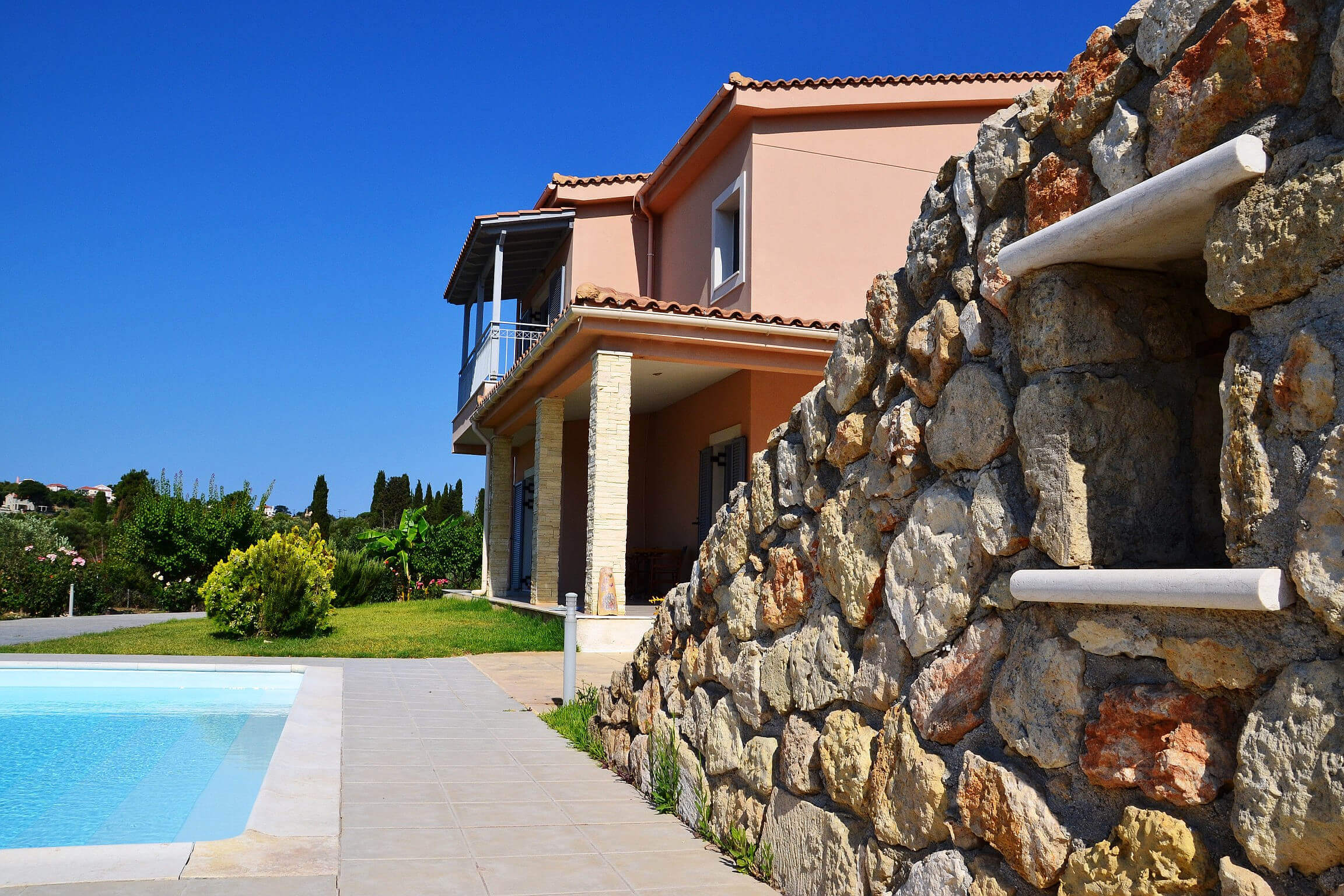 Kefalonia villas: lovely 4 bedroom villa with swimming pool, Kefalonia, Greece. Kefalonia hotels.