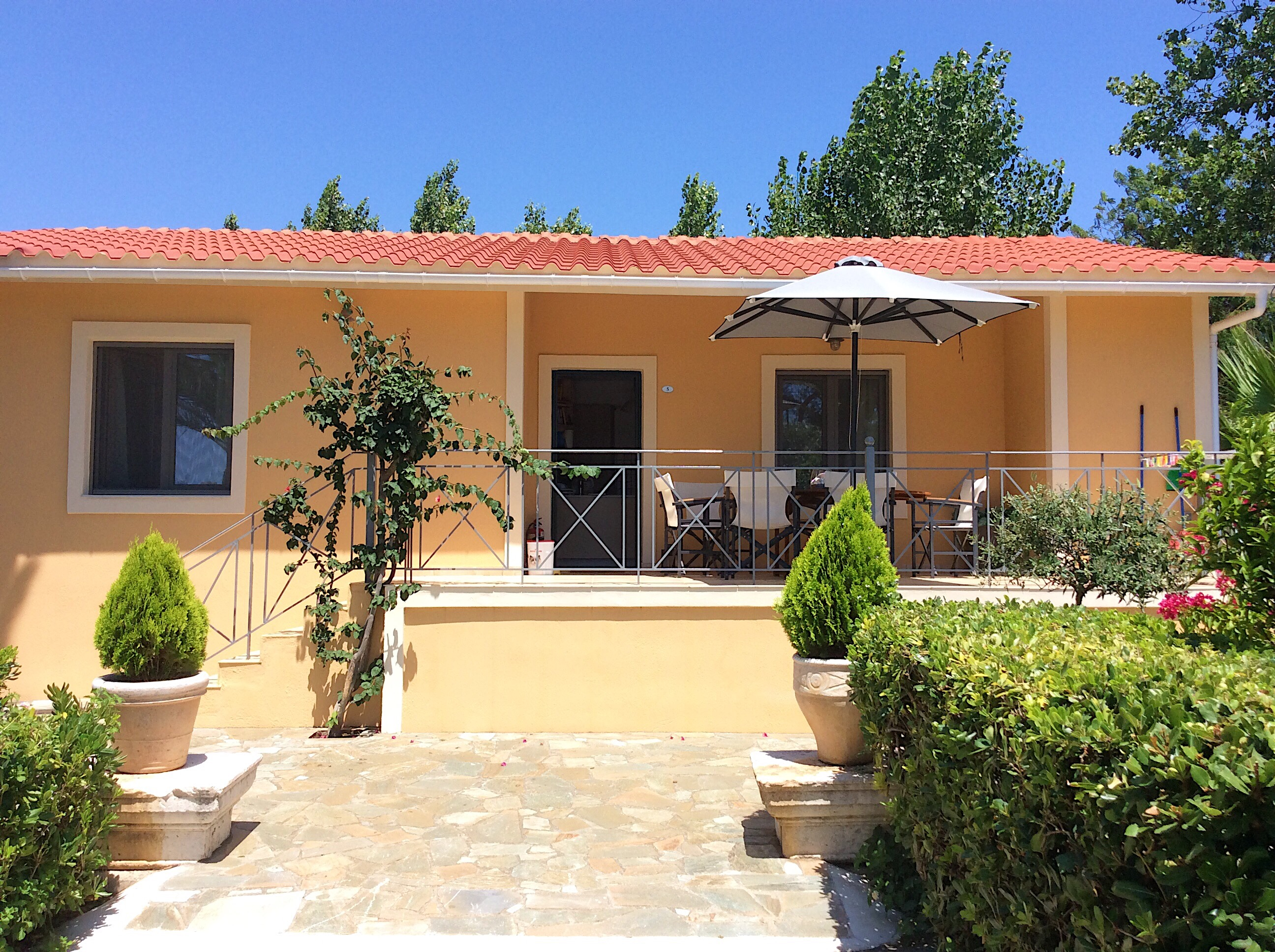 Kefalonia hotels: Lassi, 3 bedroom villa near Makris Gialos beach. Villas Kefalonia.Greece vacations.